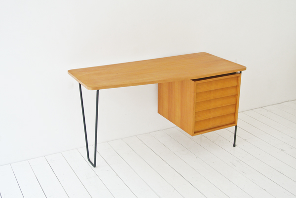 t_desk kresse modernist 7