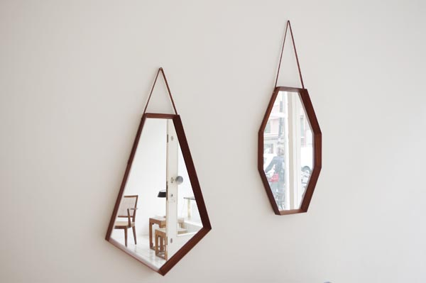 d_mirror modernist 2